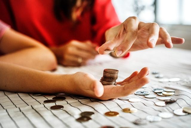 Odkładanie pieniędzy