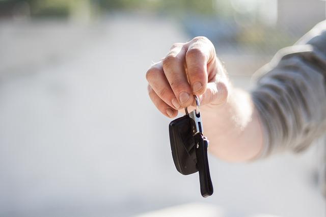 kredyt-samochodowy-czy-kredyt-gotowkowy-co-wybrac