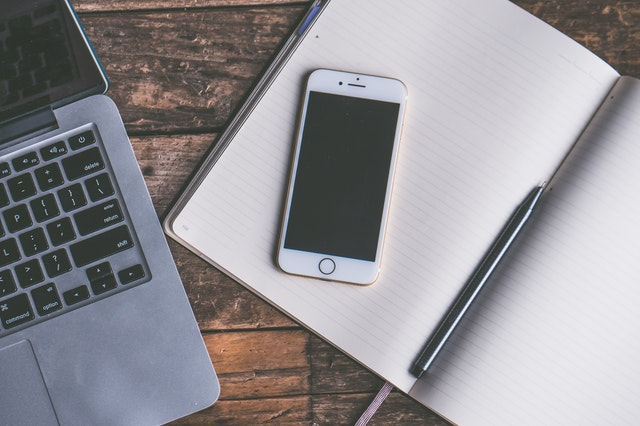 notes, laptop, telefon
